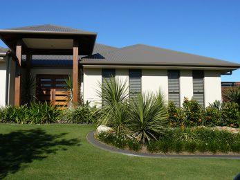 Lovely Modern Home with Garden